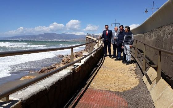 180411 Foto PSOE Paseo Marítimo de Balerma