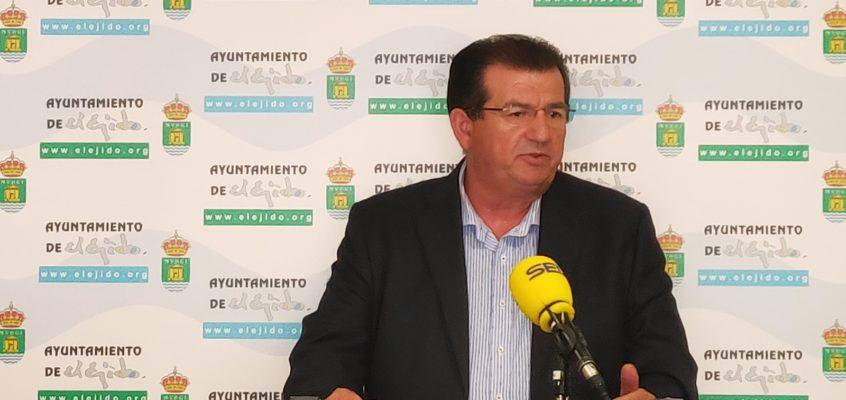 """El PSOE de El Ejido propone al alcalde que nombre a un nuevo gerente para la empresa pública DUE por la """"falta de compromiso"""" del actual que suma ya dos excedencias"""