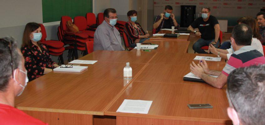 El PSOE de El Ejido abre vías de diálogo con los representantes sindicales de trabajadores municipales para la implantación del teletrabajo