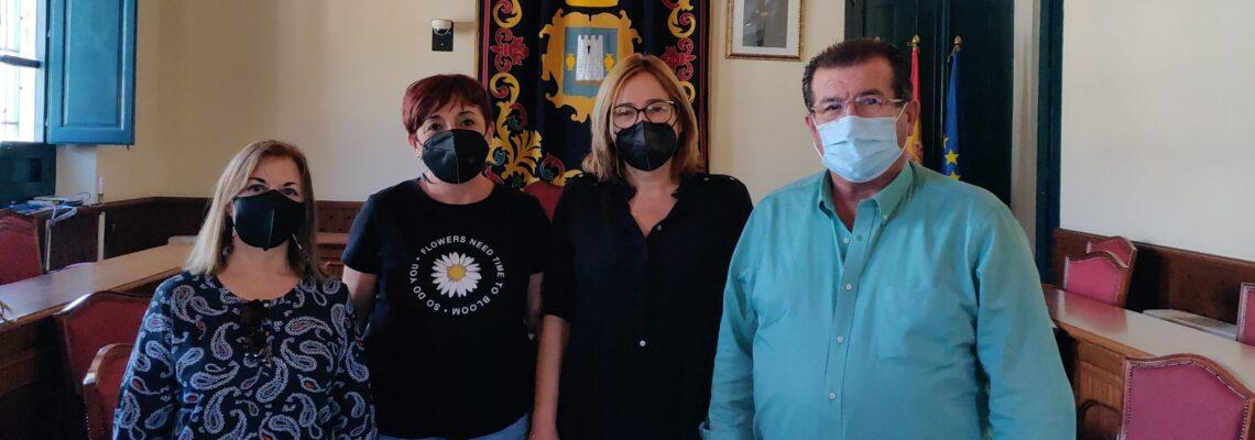 Los concejales del Grupo Socialista visitan el municipio de Níjar para intercambiar impresiones con su alcaldesa
