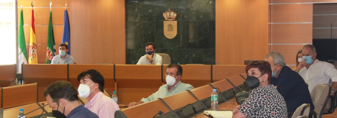 El PSOE de El Ejido propicia un encuentro entre  Ayuntamiento, Costas y vecinos de Balerma y Guardias Viejas para abordar sus dudas ante el estudio 'Estrategia para la Protección de la Costa'